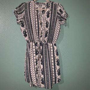 J for Justify Blue Paisley Short Sleeve Dress